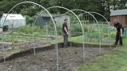 آموزش تصویری ساخت گلخانه