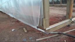 ساخت پنجره پرده رولی برای گلخانه